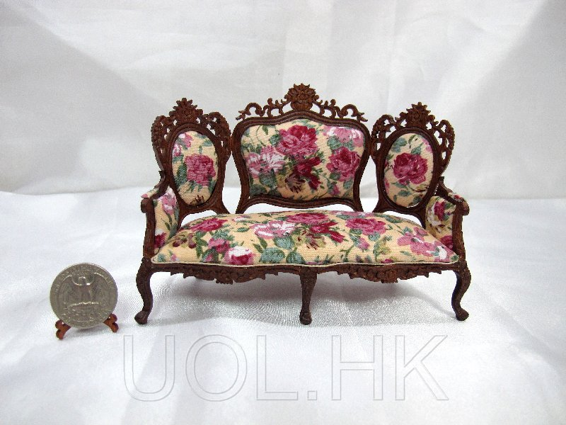 1:12 Scale Doll house Victorian Sofa/Couch