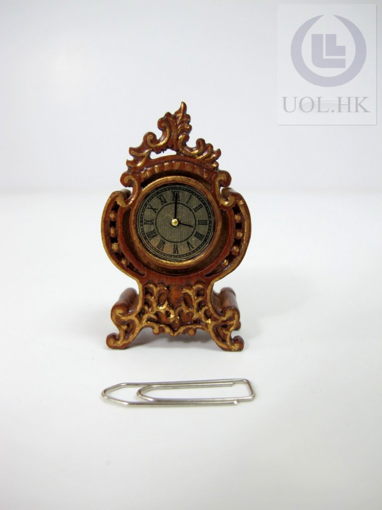 "Miniature 1"" Scale Woodcarving Table Clock[Finished in walnut]"