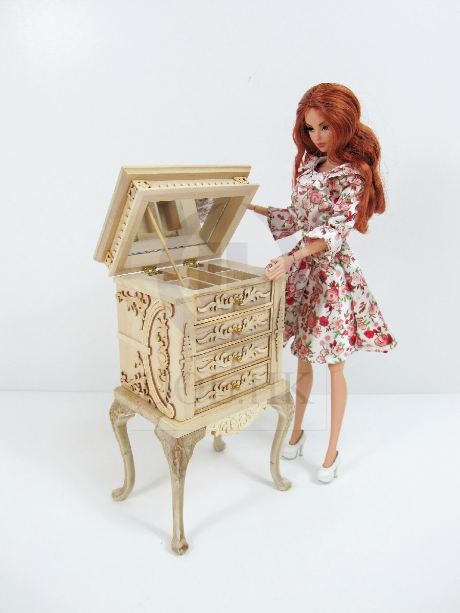 "1:6 Play Scale The""Vanessa"" High Body Jewelry Armoire [UF]"