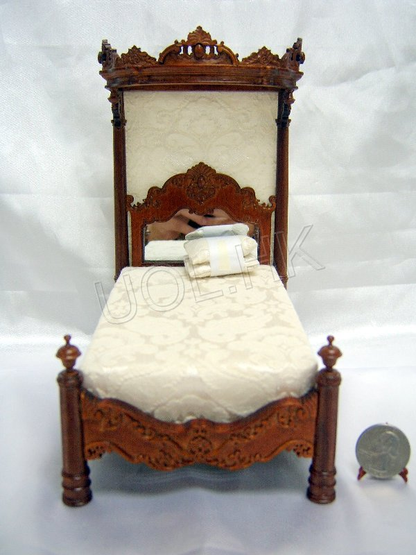 1:12 Scale Doll House Madam's Tester Bed Walnut