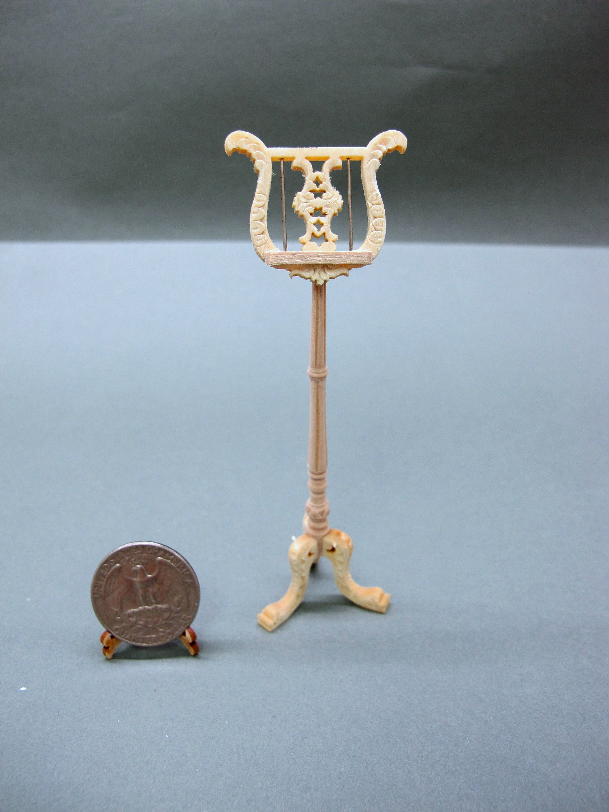 Miniature Wood Carved 1:12 Scale Doll House Music Stand [UF]