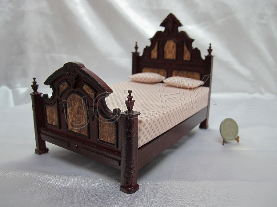 1:12 Scale of Mahogany Victorian Bed