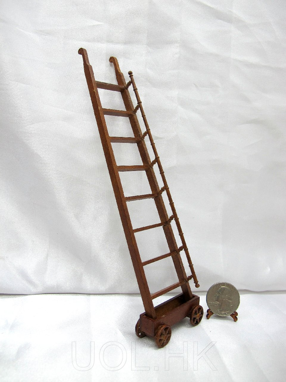 1:12 Scale Doll House Miniature Ladder And Trolley -Walnut