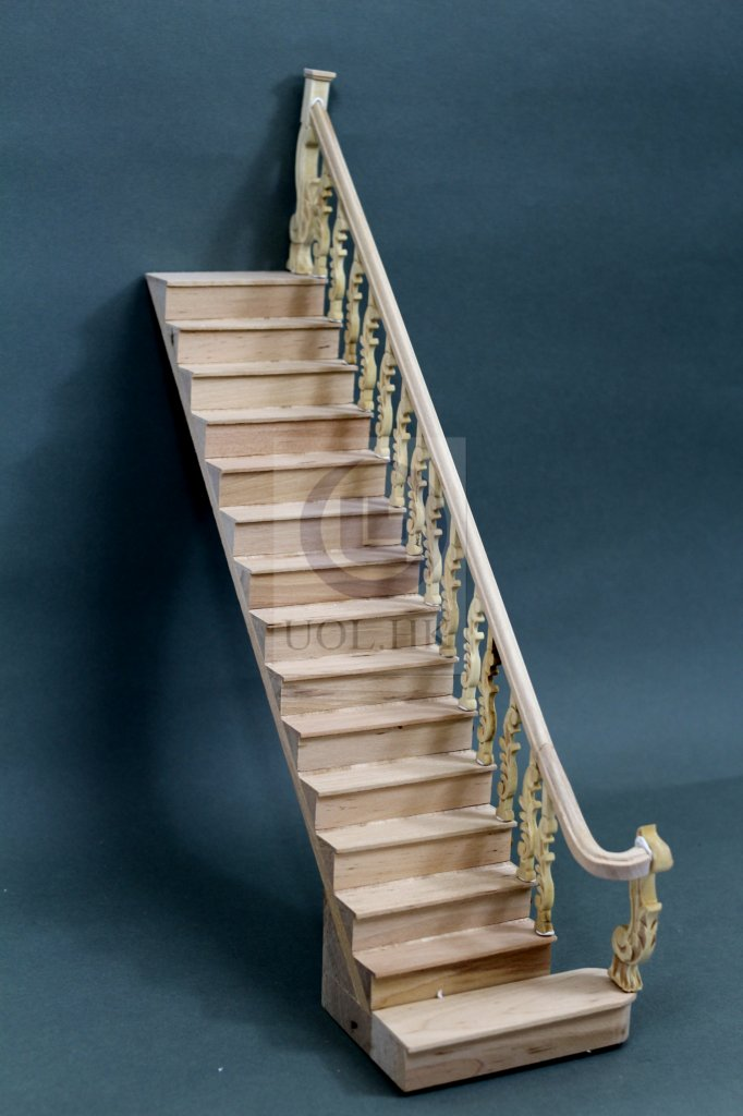 Doll House Wooden 1:12 Scale Grand Right Staircase[Unfinished]