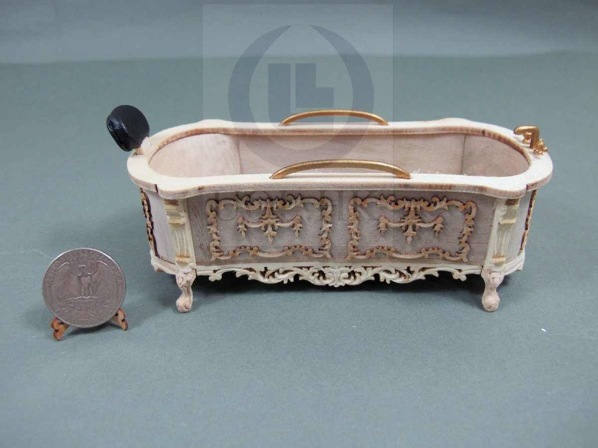 1:12 Scale Miniature Victorian Carved Bath Tub [Unfinished]