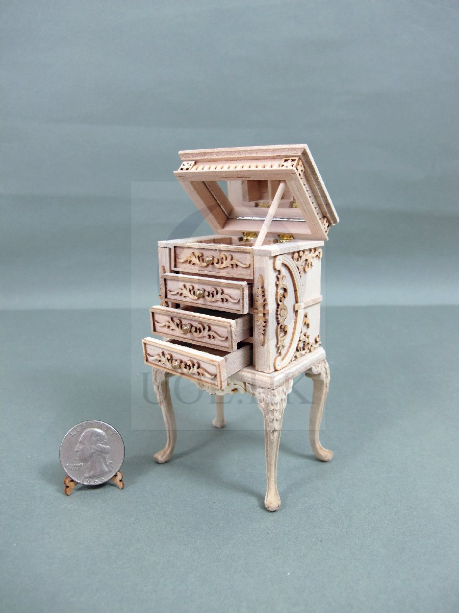 "Dollhouse 1:12 Scale The ""Vanessa"" High Body Jewelry Armoire[UF]"