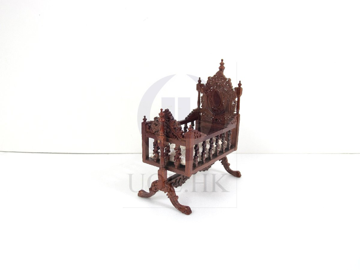 "1:12 Scale Miniature The ""Berit"" Swinging Cradle For Doll House"