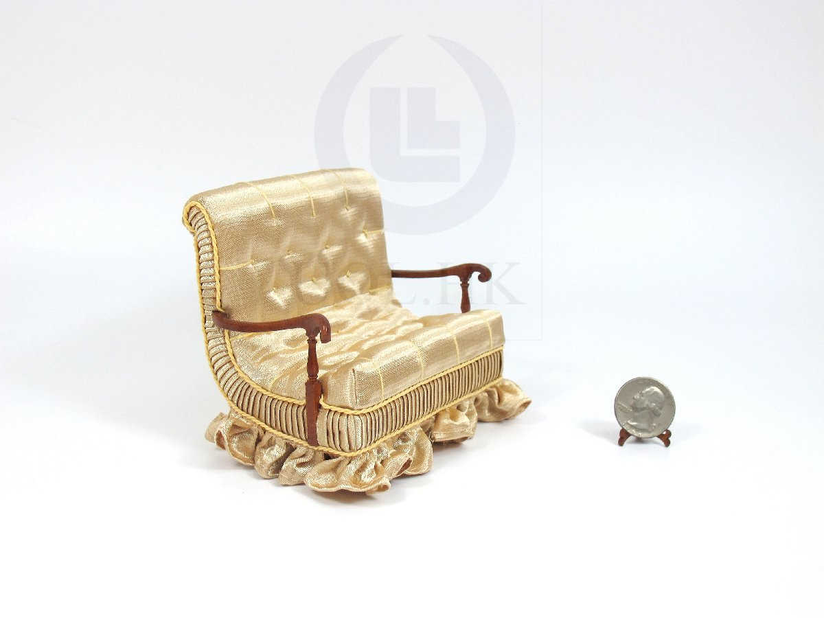 "1:12 Scale Miniature The ""Carl"" Couch For Doll House"